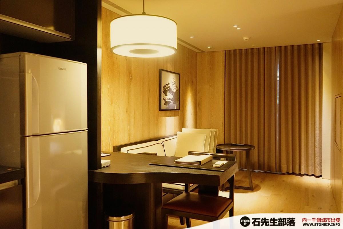 a001_03-gloria_residence_taiwan_taipei_DSC00841