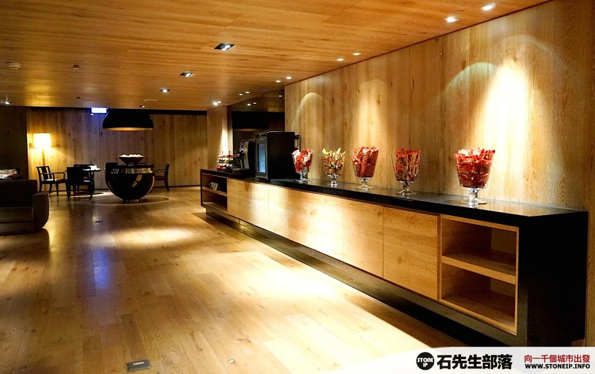 a012-25-gloria_residence_taiwan_taipei_DSC00892