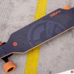 YUNEEC 的電動滑版親腳滑,好易掌控(影片)