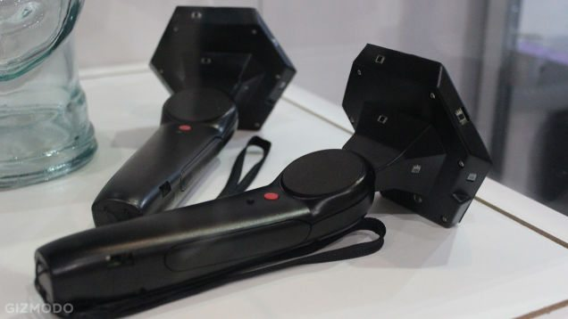 HTC Re Vive 的控制器