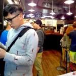【美國.西雅圖】Starbucks 的始創店就在這裡,付錢買紀念品吧!