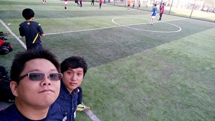 與北京朋友踢足球