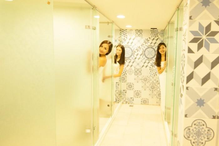 girl bathroom
